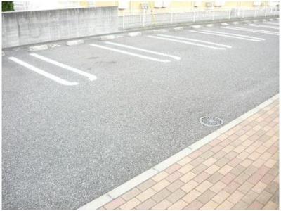 【駐車場】グラン・アヴェニールB