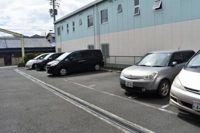 【駐車場】ニシシンヴィレッジA棟