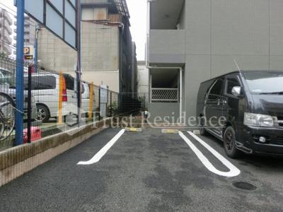 【駐車場】ホタカリュミエール・イワタ