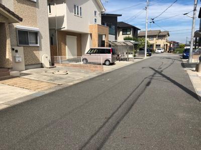 【前面道路含む現地写真】黒川町中古戸建