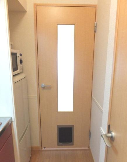 ペット出入口付きドア