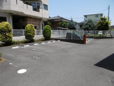 【駐車場】コモドアロッジオ