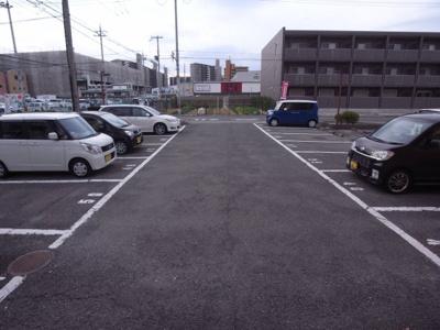 【駐車場】ハイツエンブレム