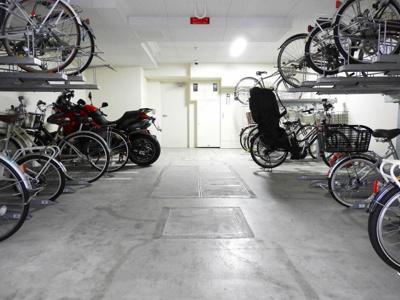 【駐車場】エステムプラザ本町クロス