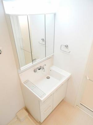 【独立洗面台】エステムプラザ本町クロス