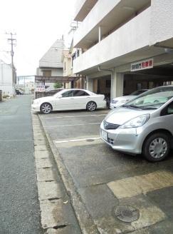 【駐車場】魚宗ビル