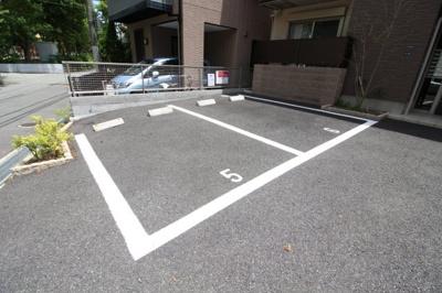 【駐車場】シャーメゾン摩耶