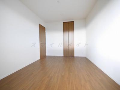 6帖の寝室です。広々ウォークインクローゼット付です。