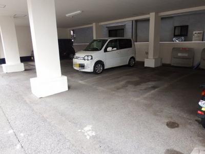 【駐車場】中野マンション