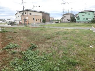 敷地内から南西側を撮影した写真です。