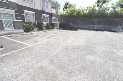 【駐車場】ミニョンラシーヌ