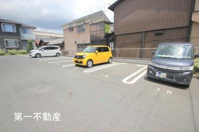 【駐車場】シャーメゾン ファインフェスキュー
