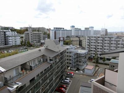 【現地写真】 現地からの眺望です♪ 高い建物はございませんので、日当たり良好♪