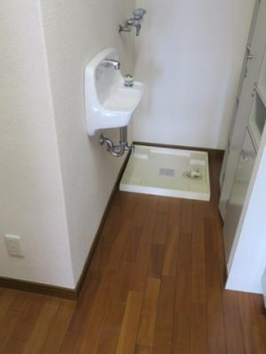 スカイプラザ赤坂 キッチン洗面・食器棚・洗濯機置場