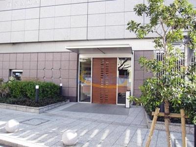 【エントランス】ジーニス大阪WEST棟