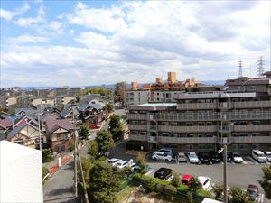 【現地写真】 7階からの景色は、圧巻です♪周りに、高い建物もなく、南向きですので、陽当たりの心配からも解放されますね♪