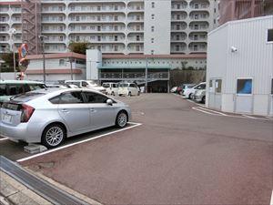 【現地写真】 敷地内、駐車場♪