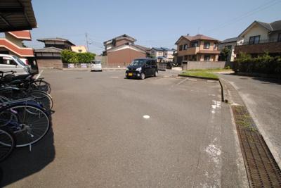 【駐車場】サンコーポシライシ