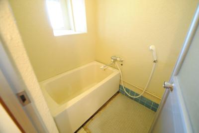 【浴室】サンコーポシライシ