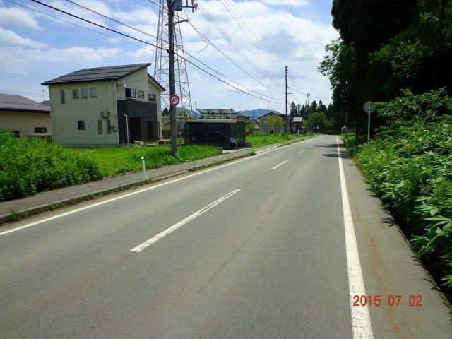 前面約9m幅の道路です