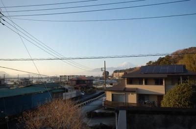 バルコニーから見た富士山です。周辺にはいちご畑がたくさんあります。