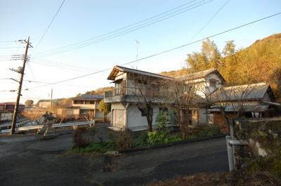 源頼朝挙兵の地、山木判官兼隆邸近くの古民家です。