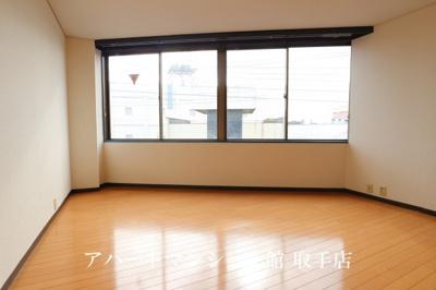 【居間・リビング】サンシャイン白山
