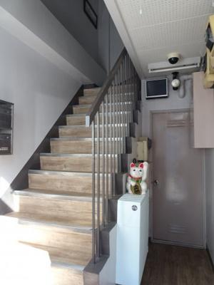 大場ビル 共用階段