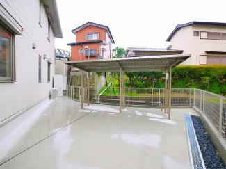 屋根付き駐輪場完備です