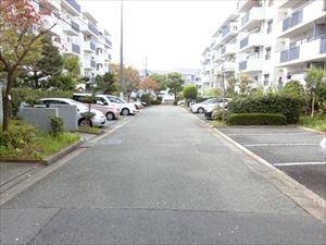 【現地写真】 駐車場権利付きですので、1戸につき1台は、無料です♪