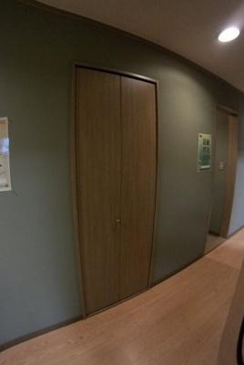 2F廊下収納