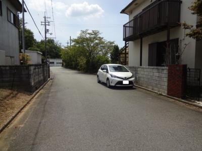 【前面道路含む現地写真】昭和町中古戸建