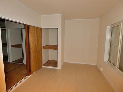 2階・角部屋洋室4.5帖のお部屋です☆書斎・子供部屋としておすすめです!勉強も捗りそう!