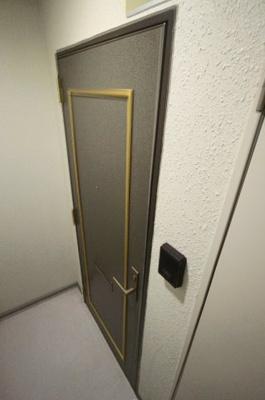 【玄関】サンロイヤル大宮