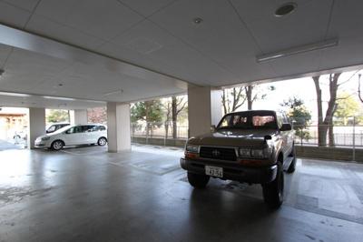 【駐車場】カスタリア榴ヶ岡