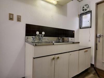 【キッチン】サンビレッジ1