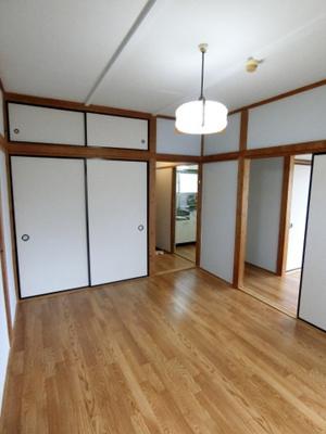 収納スペースのある東向き洋室6帖のお部屋です!荷物をたっぷり収納できてお部屋すっきり片付きます☆