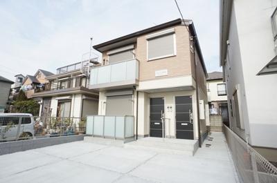 積水ハウス施工の賃貸住宅シャーメゾン♪グリーンライン「綱島」駅より徒歩18分♪1フロア1住戸の2階建てアパートです☆