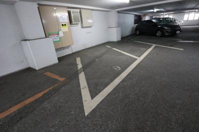 【駐車場】香里ロイヤルプラザ