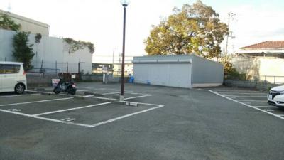 【駐車場】久々知3丁目53-1シャッター付ガレージ 管理番号35