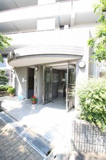 【エントランス】六甲桜ヶ丘ハイツ