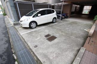 【駐車場】六甲道ロイヤルマンション