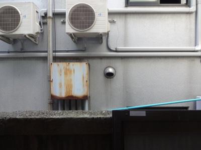 石山ビル 和室7.5帖の窓からの眺望