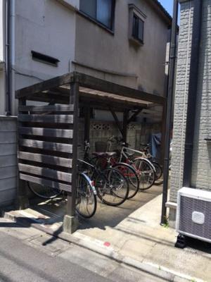 屋根つき駐輪スペース