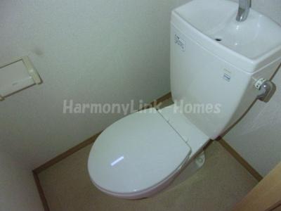 アーバンコート中台の落ち着いた色調のトイレです☆