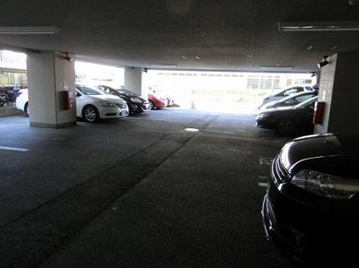 【現地写真】敷地内駐車場♪