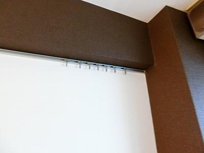 洋室6帖のお部屋の壁にはピクチャーレールがあります♪絵や小物を飾れるので、お部屋が華やぎますね☆