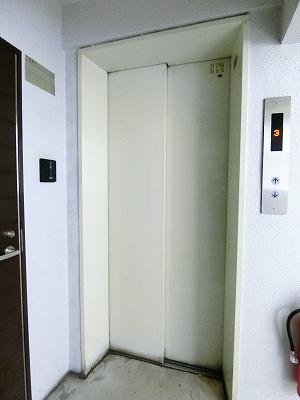 3階までエレベーターでラクラク上がれます♪疲れた時や荷物の多いときにもエレベーターは嬉しい★