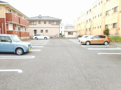 【駐車場】プラージュA