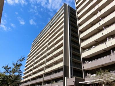 【現地写真】 総戸数571戸の 大型マンションです♪